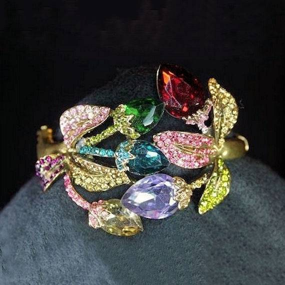 Bracelet Floral Enchantment with Multicolored Crystals