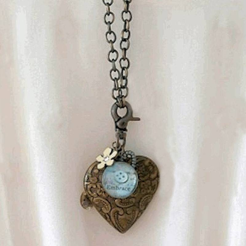 Necklace Embrace Me and Take All My Heart Pendant