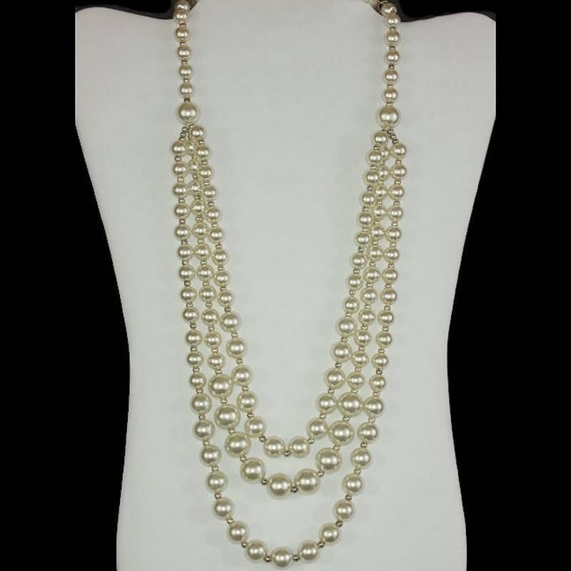 Necklace Pearl Beaded Elegance with Triple Strands